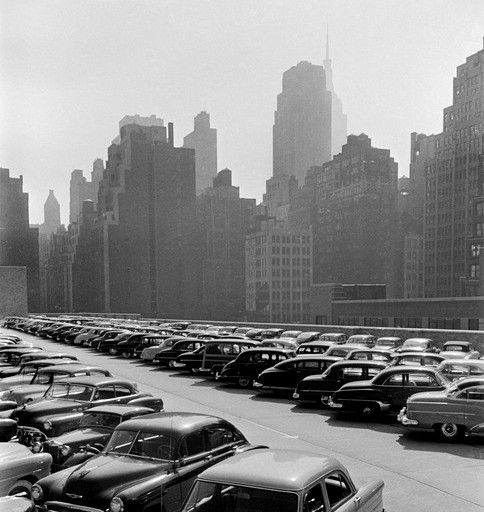 USA. New York city. Manhattan. Car parking lot. 1953.© Werner Bischof/Magnum Photos